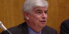 Chris Dodd considers run for the White House Date: June 3 2006 No: 903