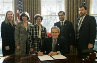 President Bush signs presidential proclamation in honor of the Fourth Anniversary of USA Freedom Corps