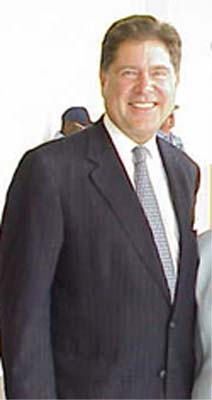  Miami Herald Publisher and Venezuela RPCV Alberto Ibarg&uuml;en
