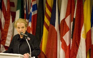 Former secretary of state Madeleine Albright praises Peace Corps