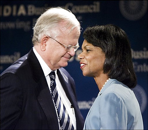 Former U.S. Ambassador to India Robert Blackwill introduces Secretary of State Condoleezza Rice at the US-India Business Council