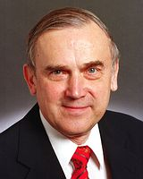 Venezuela RPCV Bob Kierlin retires as Minnesota State Senator