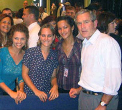 President Bush meets with PCVs in Panama