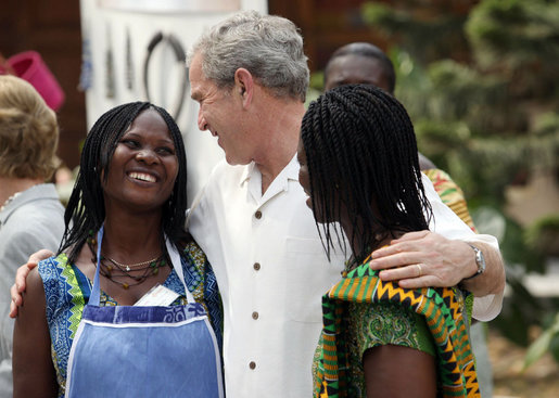 President George W. Bush has paid tribute to American Peace Corps volunteers serving in Africa and urged them to do their best to contribute to human development in the host countries