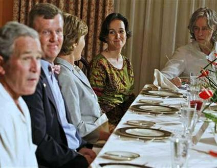 Peace Corps volunteer Melinda Palma lunches with Bush in Ghana