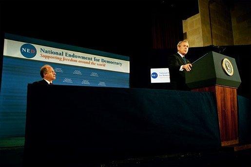 President Bush proclaims National Volunteer Week