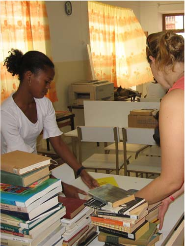 Peace Corps Volunteers Inspire Volunteerism in Cape Verde
