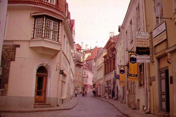1994: Leigh Sprague served in Estonia in Tallinn beginning in 1994