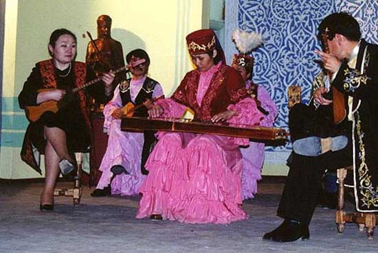 1995: Kayt Erdahl served in Kazakhstan in Taraz (Zhambyl) beginning in 1995