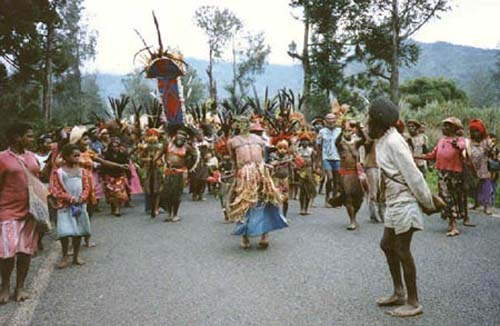 1987: Carleen Hubbell served in Papua New Guinea in Mendi beginning in 1987