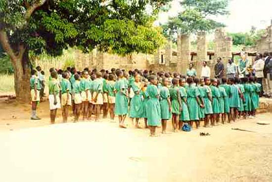 1969: Laura Seidler Marcusa served in UGANDA in Rukungiri beginning in 1969