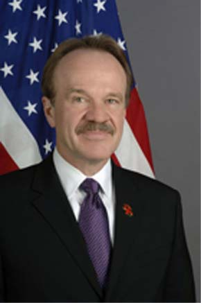 Congo Kinshasa RPCV Dan Mozena sworn in as U.S. Ambassador to Angola