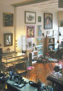 Colombia RPCV Paloma Grasso runs Galeria Quetzal  in Cleveland