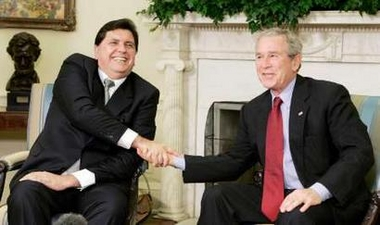 Bush promises Peru's Garcia to push for trade pact
