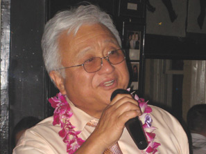Mike Honda loves Karaoke