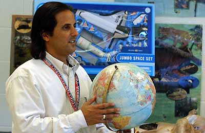 NASA astronaut Joe Acaba speaks to Tech engineering students