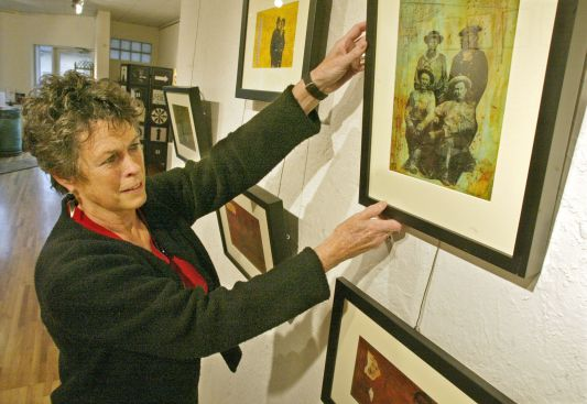 Nigeria RPCV Lynn Olson has made an interesting discovery since retiring after 22 years as an Anoka County judge to manage an art gallery: Artists and criminal defendants have a lot in common. They're both creative, always short of money and have low self-esteem