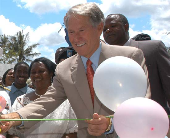 US Ambassador to Tanzania Michael L. Retzer Joins U.S. Volunteers to Build Houses in Korogwe