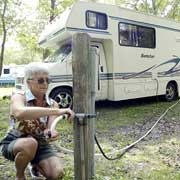 Nicole de Lorimier, who traveled in Guatemala as a Peace Corps volunteer and then worked in Santa Barbara as a real estate broker, is now part of the snow hens, the growing number of single, senior women who flock to sunny spots behind the wheel of a motor home