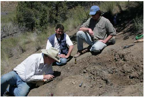 RPCVs Greg Kovalchuk and Mike Kelly Find Rare Fossil