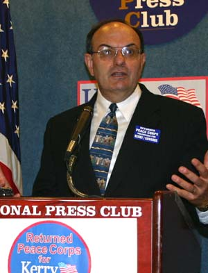 "Massachusetts State Senator Dave Magnani, Founder of the ""RPCVs for Kerry"""