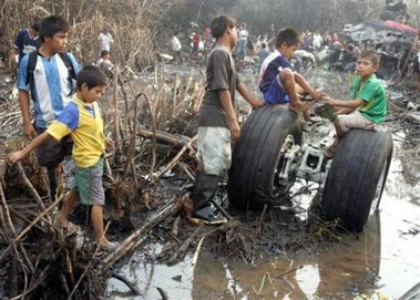Scavengers Swarm Over Peru Plane Wreckage where RPCV Scott Lotti died