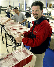 Swaziland RPCV Reed Hastings stresses quality service