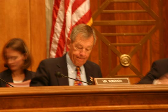 Senator Voinovich asks about host families and volunteer complaints