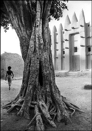 RPCV Shawn Davis, on assignment in Mali to teach photography to teens, turned out some lovely pictures that reek of nostalgia