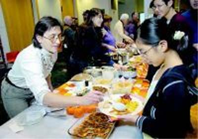 Returned Peace Corps Volunteers of Northeastern New York organize Thanksgiving feast with international flair