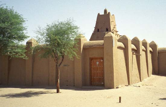 In 1988 Mali Peace Corps Volunteer Kerry Clark found a way to travel to Timbuktu which was totally off-limits to Peace Corps volunteers and could only be reached by overland travel