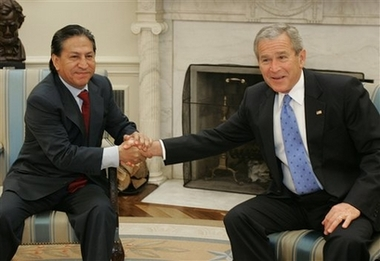 Toledo meets Bush, urges US Senate pass trade pact