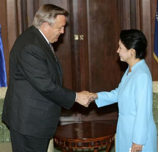 Tschetter meets with Philippines President Arroyo