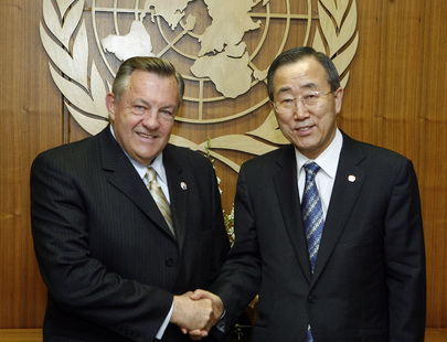 Tschetter meets with UN Secretary General Ki-moon