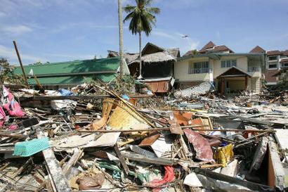 Bush pledges $350 Million in Tsunami Aid, Lawmakers say amount may triple