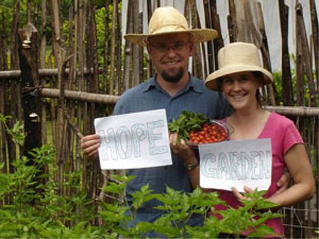 Paraguay RPCVs Amanda Fuller and Justin Mog decided to write a letter to Obama and suggest that he establish an organic �Hope Garden� at the White House, and of course hire them to manage it