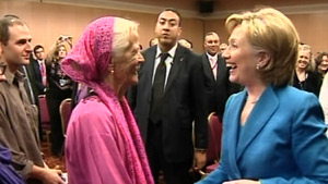 Secretary of State Hillary Clinton lauds Muriel Johnston, at 85 the oldest Peace Corps volunteer