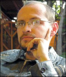 Daniel Pickens, son of RPCV Hugh Pickens says: Pinto como si estuviera escribiendo