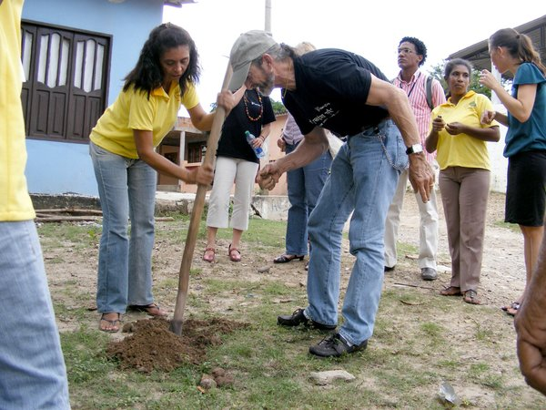 Almost 30 years after Gary Burniske joined the Peace Corps to serve in Colombia, he's doing similar work for another organization