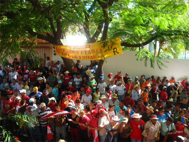 Peace Corps Volunteer Bryan and Life in Honduras writes: The political solution rears its ugly head again