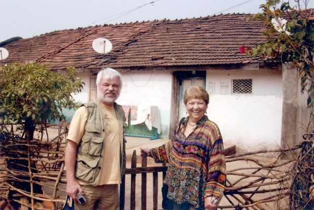 RPCVs Lee and Susan Schriever revisit Khandbara, a small city in central India, where they served as volunteers 