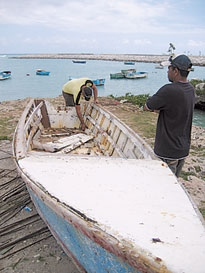 Colleen Gatliff, a Peace Corps volunteer stationed in Ver�n,  Mexico helped organize a trip to show Dominican fishermen how their Mexican counterparts had successfully resolved a similar problem of reef degradation