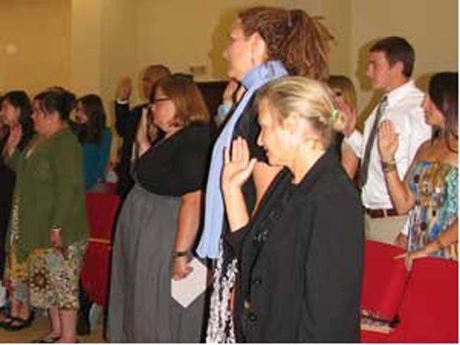 Last group of Romania-assigned Peace Corps volunteers takes oath of service